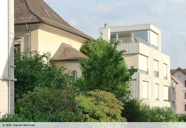 haus mit wohnung und gewerbe alte landstrasse 145 thalwil nievergelt architekt. Black Bedroom Furniture Sets. Home Design Ideas